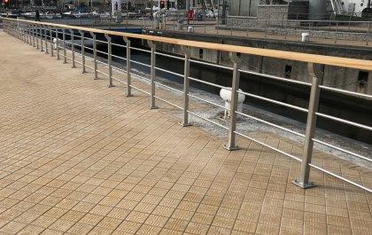 Inox leuningen stationsomgeving Oostende